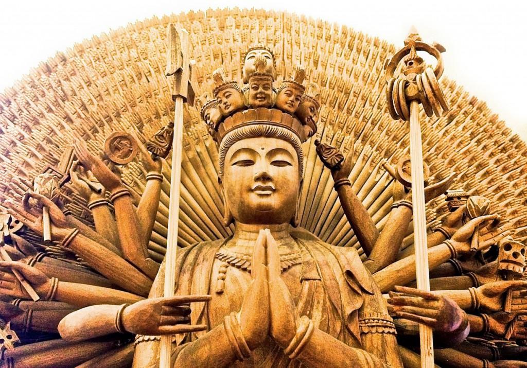 Afbeelding van de Qian Shou Guan Yin Tempel in Singapore.